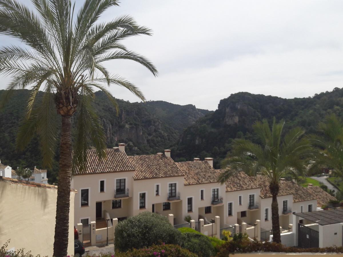 Townhouse for sale El Casar Benahavis