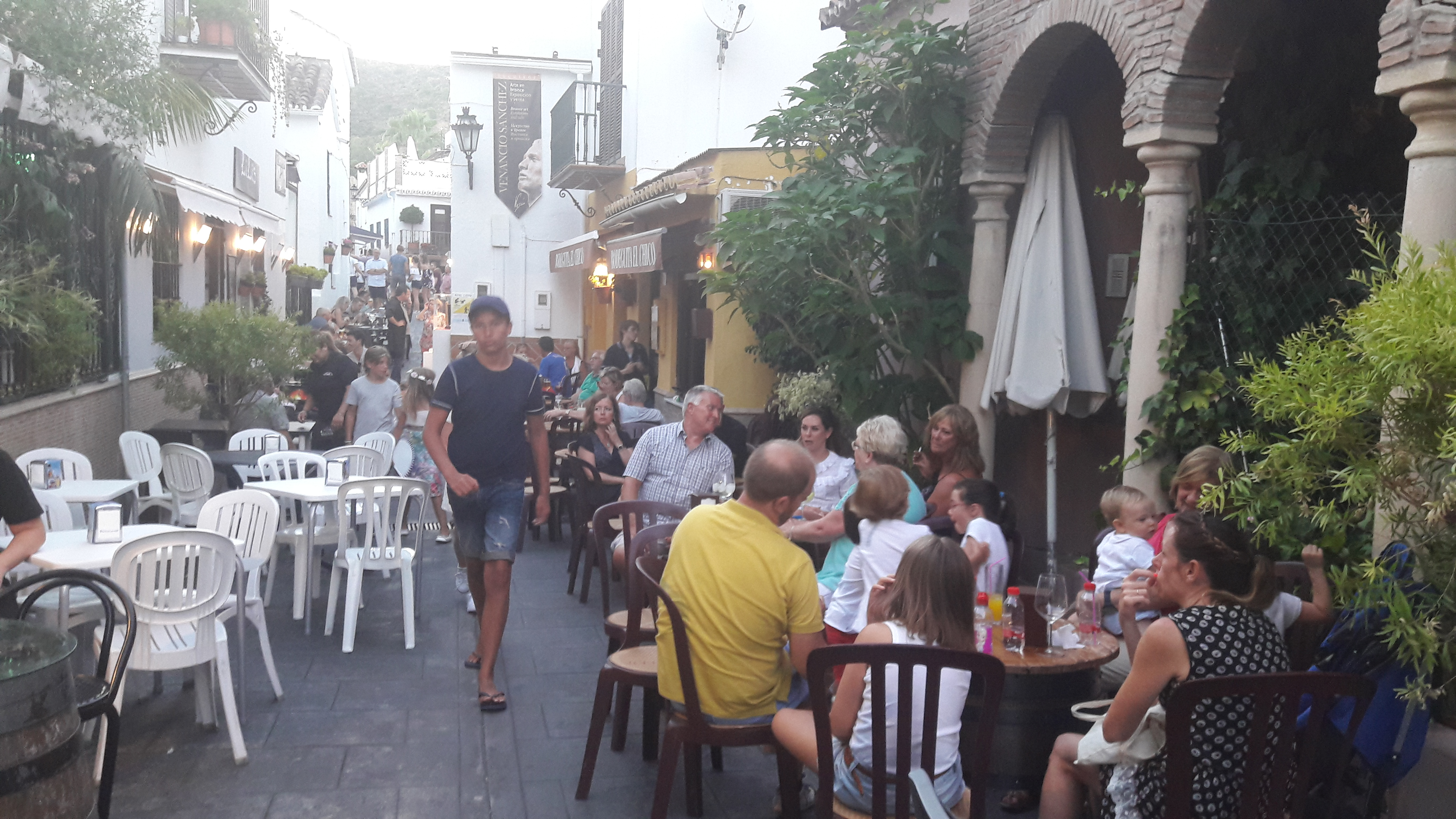 Bars in Benahavis : El Chico