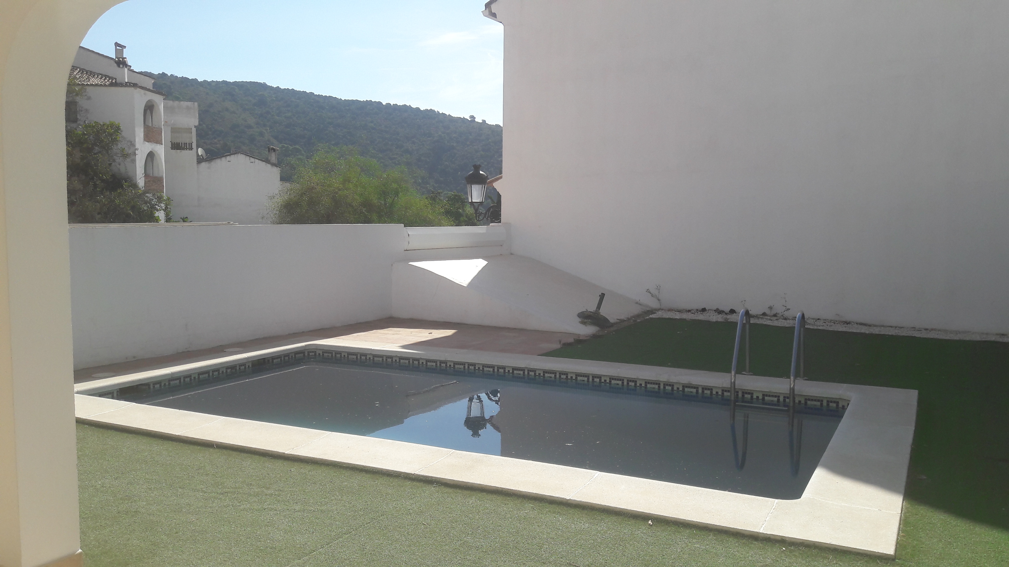 townhouse for sale Benahavis village