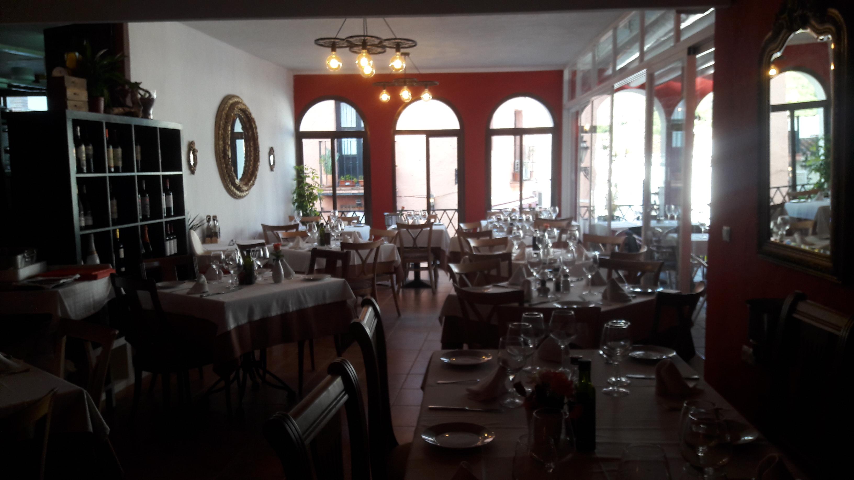 Las Cañas Restaurant Benahavis
